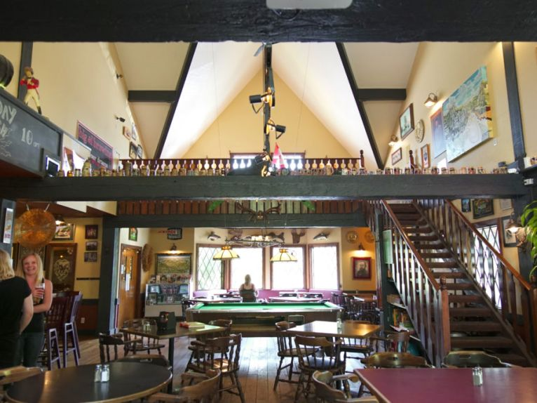 Lions Head Pub