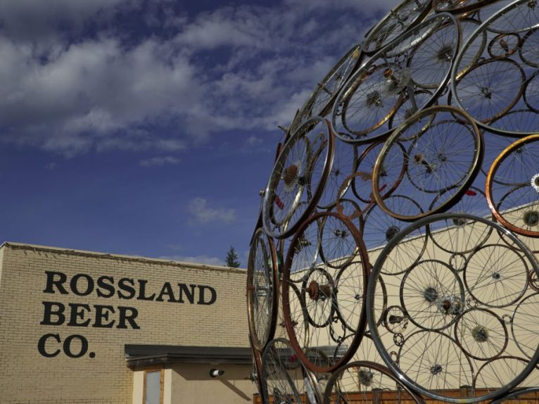 ROSSLAND BEER CO.