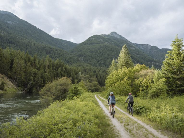 SLOCAN VALLEY RAIL TRAIL